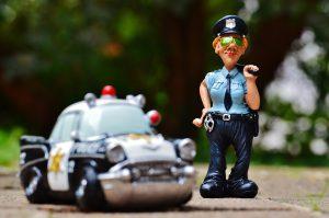policewoman-986047_1920